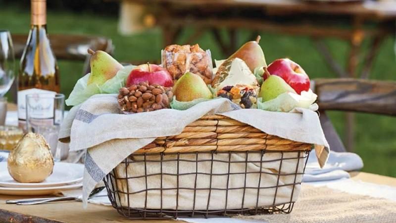 1800 Flowers fruit baskets