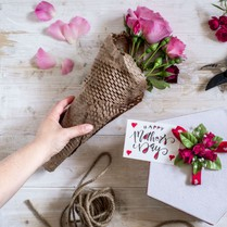 5 Tips To Choose Gifts On Mother's Day n Save Extras